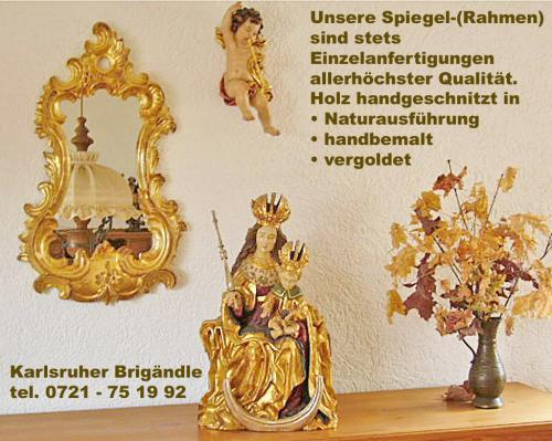 Spiegel mit Blattgold  neben sitzender Madonna EInzelanfertigung