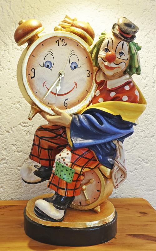 Clown mit Uhr (genau gehendes Quarzwerk) Ahornholz handbemalt 47cm
